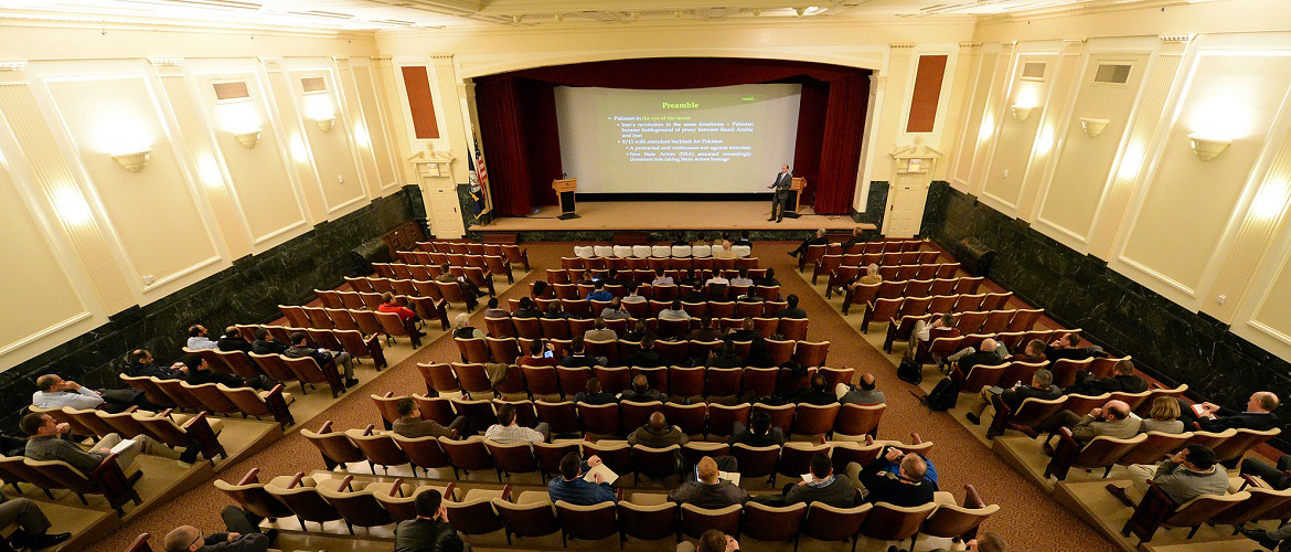 Pakistan army Maj. Gen. Aamer Abbasi, General Headquarters, general officer, commanding 10 Division, provides a presentation to staff, students and faculty at U.S. Naval War College in Newport, Rhode Island.