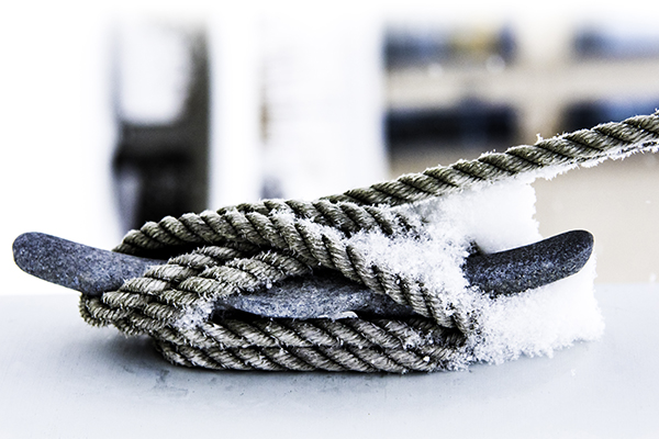Cleat and rope in Winter